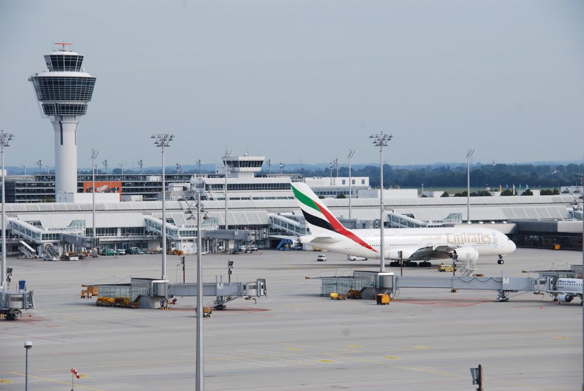 00 Flughafen Muenchen Airport Munich Airbus A380 Emirates
