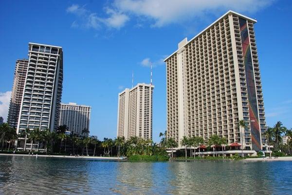 10-Hilton-Hawaiian-Village-Waikiki-Beach-Resort