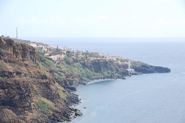 12-Blick-auf-Canico-Madeira-Hotel-Galosol-Resort
