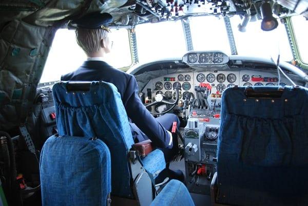 16_Constellation-Cockpit-Besucherpark-Flughafen-Muenchen