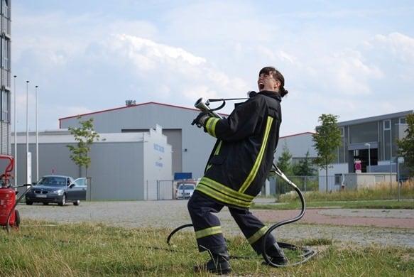 Feuerloeschuebung-Feuer-frei