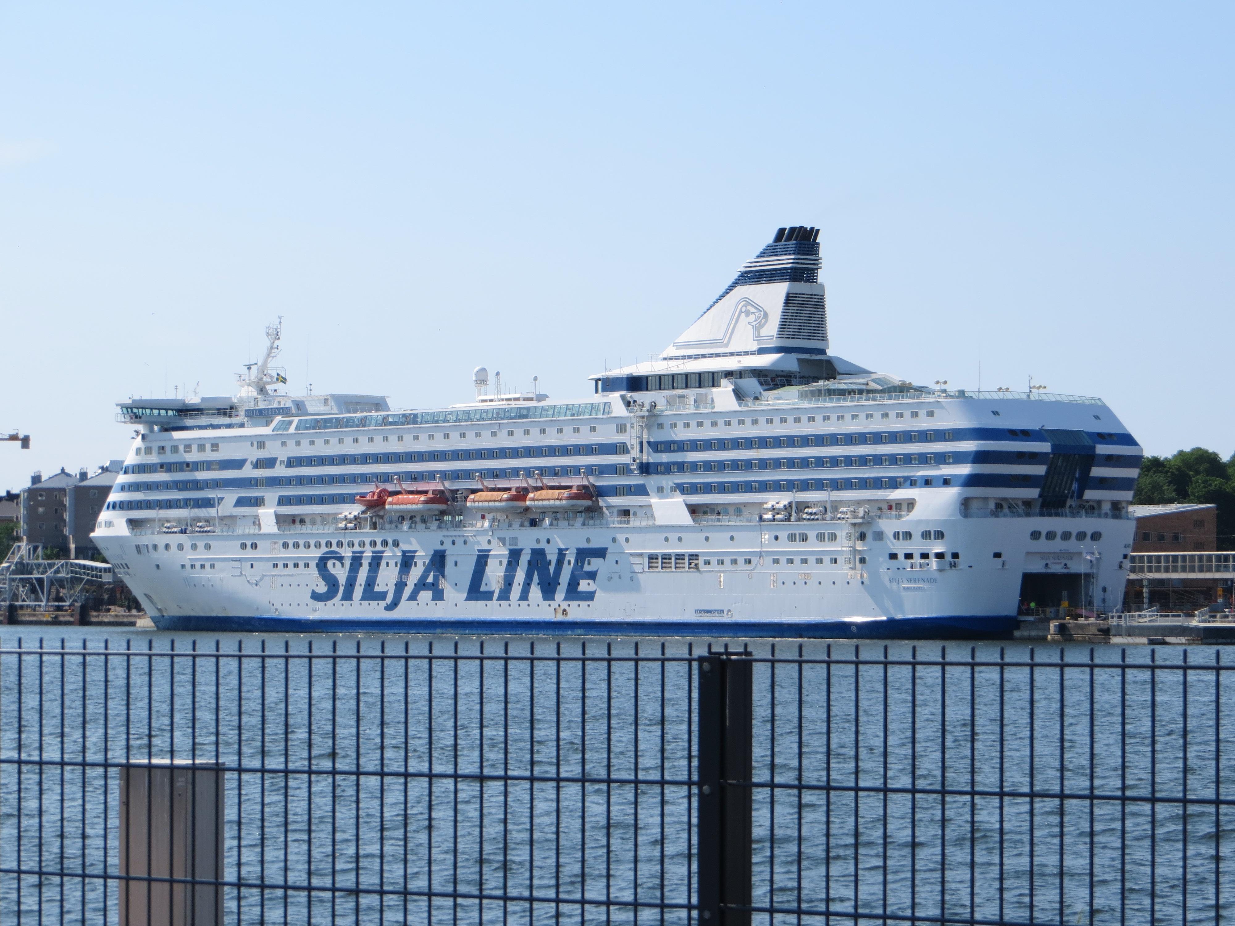 15_Tallink-Silja-Serenade-Helsinki