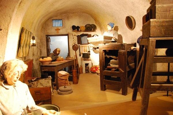 11_Weinmuseum-Santorini-Griechenland