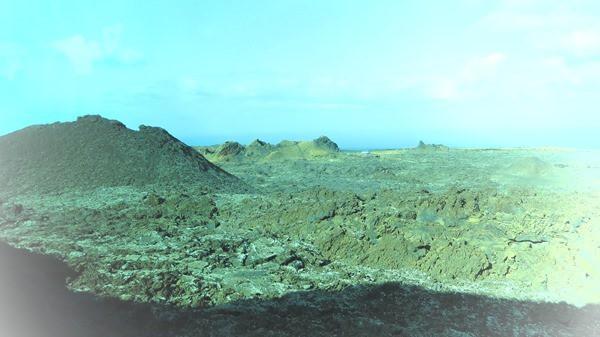 03_Kraterlandschaft-Lanzarote-Kanarische-Inseln