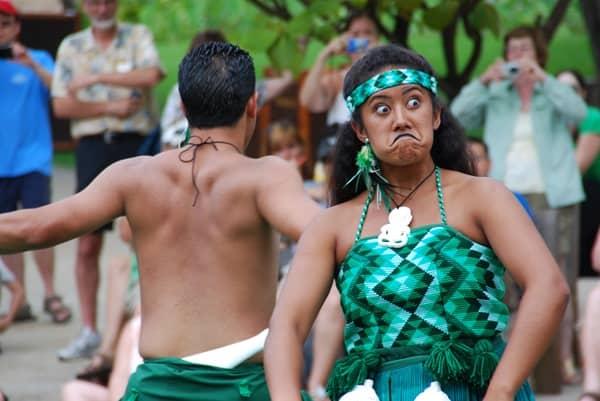 08_Polynesian-Cultural-Center-Maori-Show-funny-Face-1