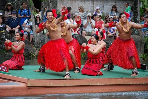 14_Polynesian-Cultural-Center-Tonga