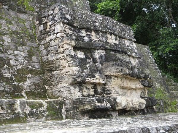 16_Maya-Ruine-Calakmul-Mexiko-Struktur-I-Pyramide-1-Gesicht