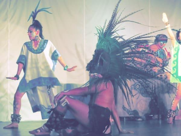 16_Maya-Show-Hotel-The-Reef-Playacar-Mexico-PlayaDelCarmen-Dancer