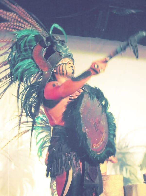 22_Maya-Show-Hotel-The-Reef-Playacar-Mexiko-PlayaDelCarmen-Krieger