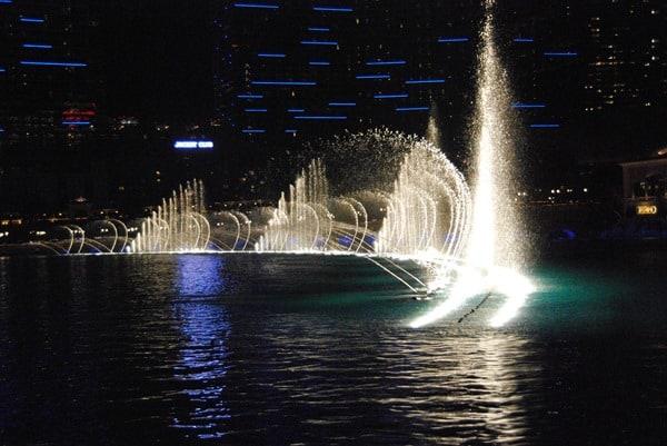 24_Fountains-Bellagio-Las-Vegas-at-night