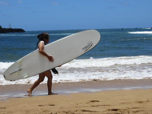 06_Kalapaki-Shoreline-Nawiliwili-Hawaii-Kauai-Surfergirl