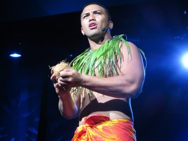 10_NCL-Pride-of-America-Hawaii-Abendshow