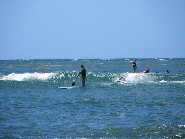 12_Kalapaki-Shoreline-Nawiliwili-Hawaii-Kauai-Surfer