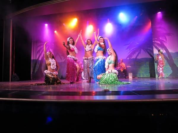 17_NCL-Pride-of-America-Hawaii-Abendshow-Abschluss