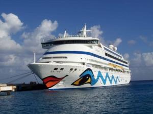 00_Kreuzfahrtschiff-AIDAaura