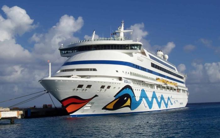 00 Kreuzfahrtschiff AIDAaura
