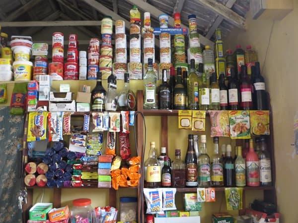 24_Auswahl-im-Supermarkt-Bofareira-Boa-Vista-Cabo-Verde-Kapverden