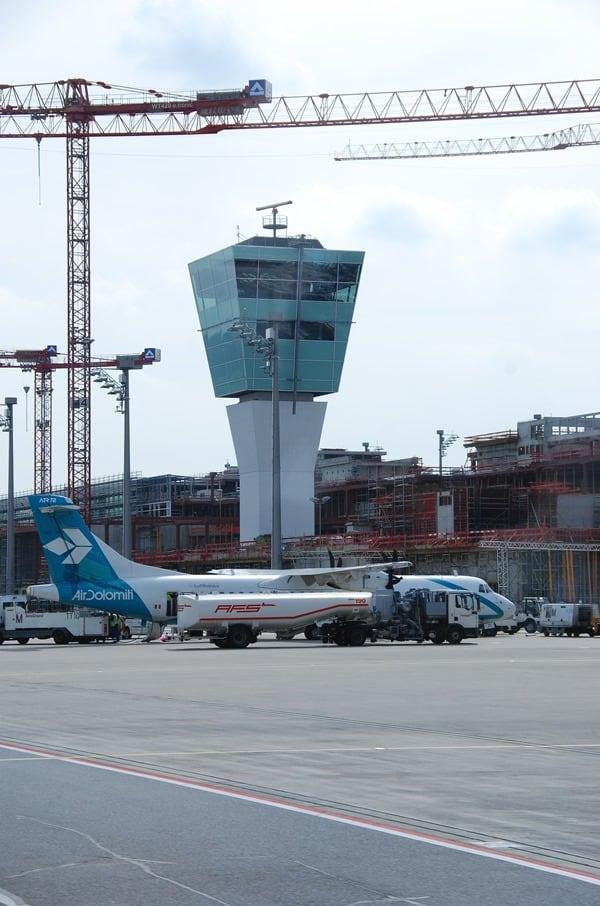Air-Dolomiti-Flughafen-Muenchen-Tower