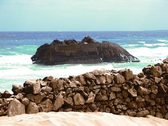 04c_Schiffswrack-Santa-Maria-Boa-Vista-Kapverden-2014