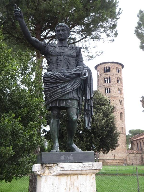 05_Kaiser-Augustus-Cesare-Augusto-Basilica-Sant'Apollinar-in-Classe-Italien