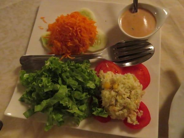 11_Restaurante-Fon-Banana-Salat-Kapverdischer-Abend-Boa-Vista