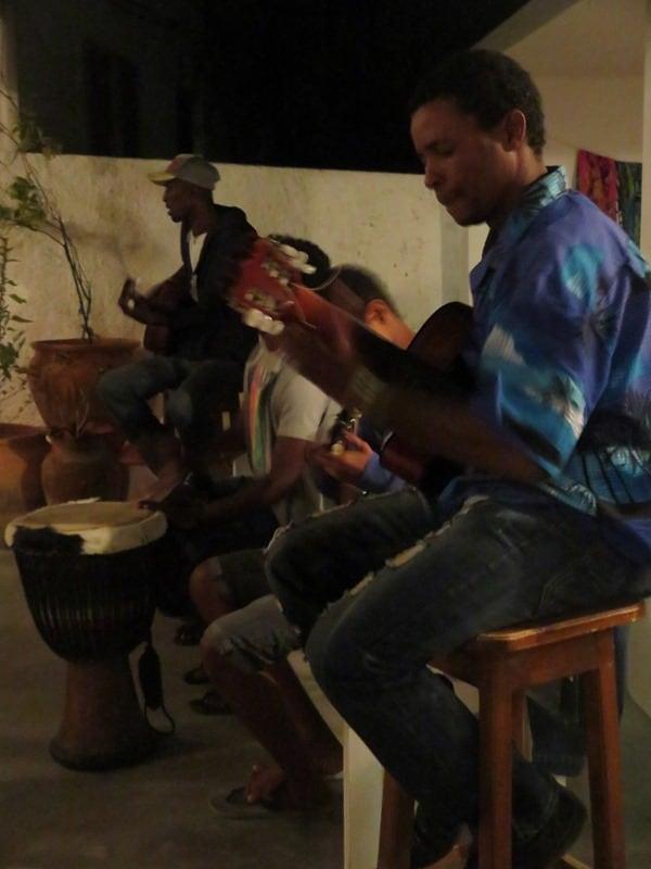 15_Restaurante-Fon-Banana-Musiker-Kapverdischer-Abend-Boa-Vista
