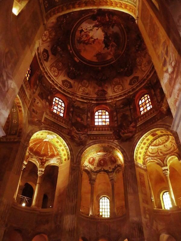 21_Basilika-San-Vitale-Ravenna-Italien