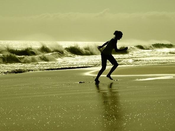 25_Flucht-vor-Wellen-Strand-Santa-Monica-Boa-Vista-Kapverden