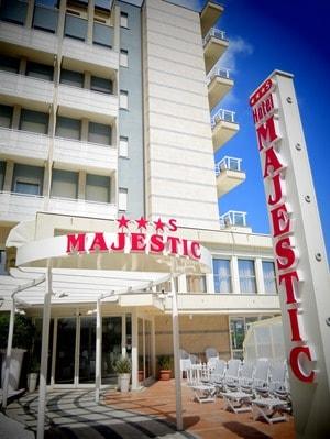 01_Hotel-Majestic-Milano-Marittima-Italien