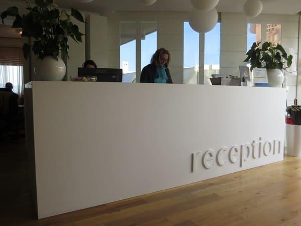 02_Rezeption-Hotel-Majestic-Milano-Marittima-Italien