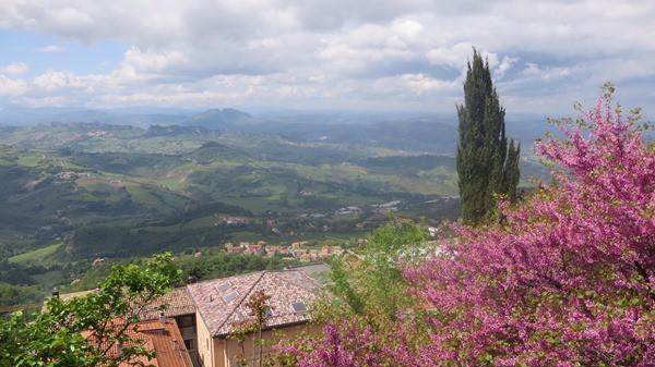 07_Fruehling-in-San-Marino