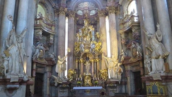 09_Altar-Kirche-St.Nikolaus-Prag-Tschechien
