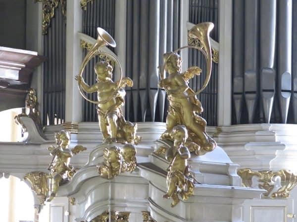10_Orgel-Kirche-St.Nikolaus-Prag-Tschechien