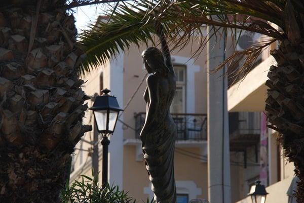 24_Statue-am-Venezianischen-Hafen-Rethymno-Kreta-Griechenland