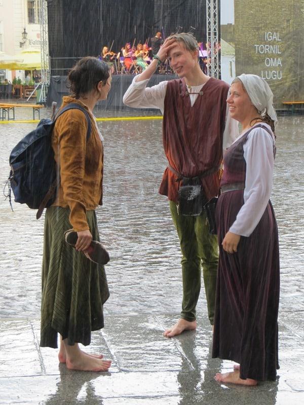 50-Tallinn-Mittelalter-Altstadtfest-Regen