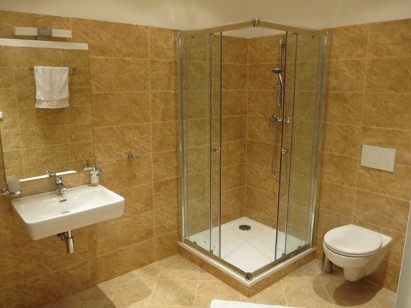 91_Dusche-Badezimmer-Apartment-Prag-Atlstadt