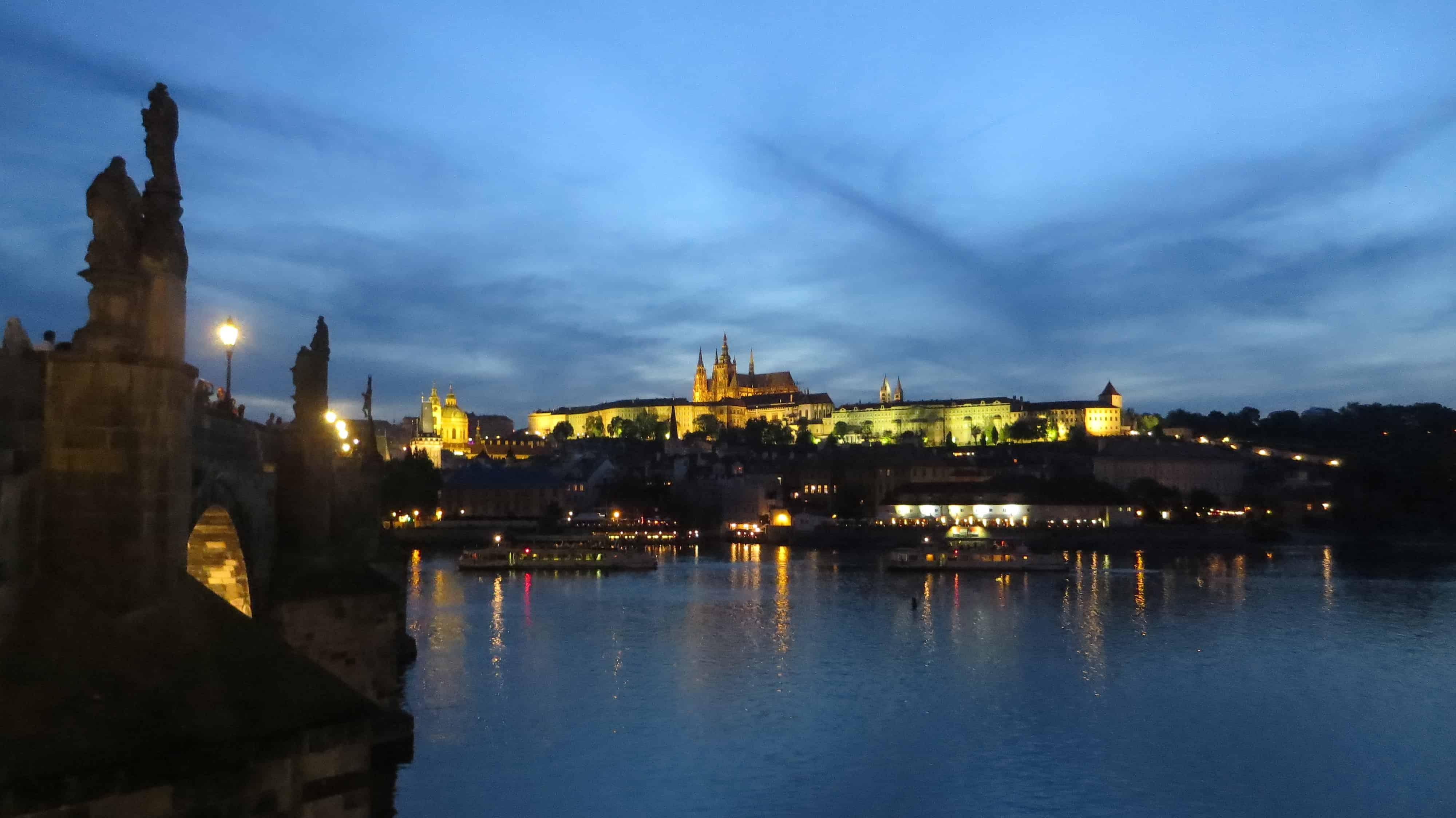 00_Citytrip-Prag-Prager-Burg-Nacht-Tschechien