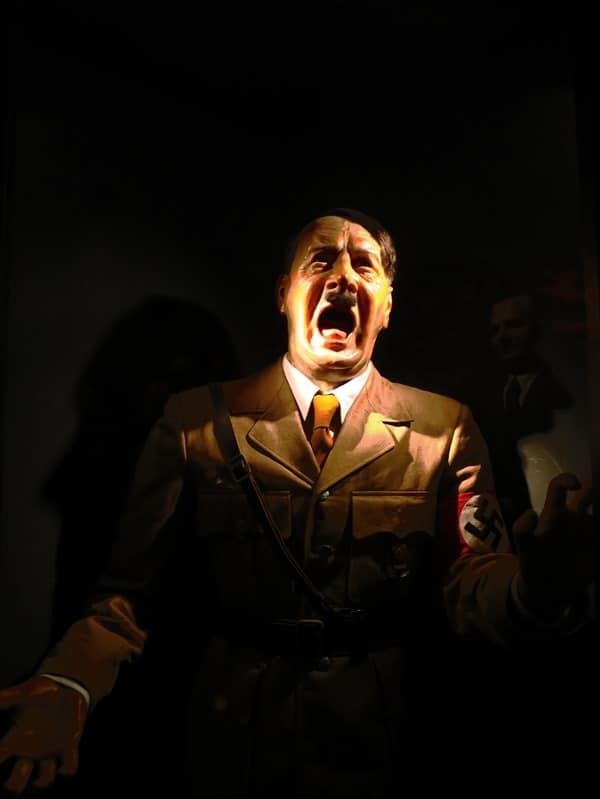 06_Adolf-Hitler-Wachsfigurenmuseum-Prag-Tschechien