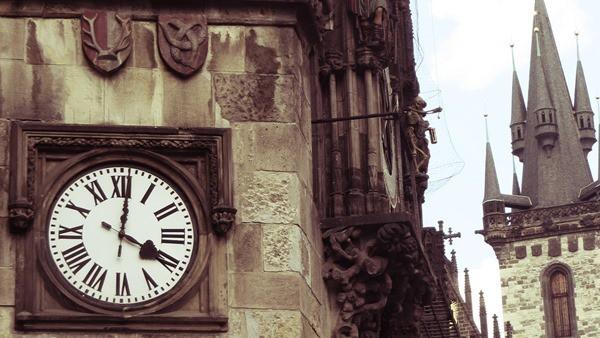 11_Uhr-am-Altstaedter-Rathaus-Prag-Tschechien
