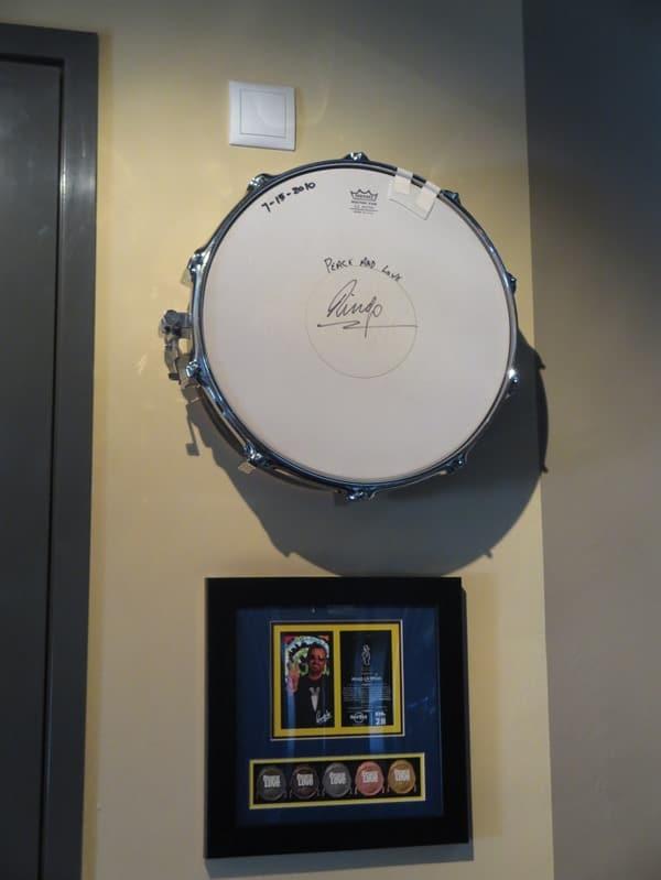 04_Beatles-Ringo-Starr-signierte-Trommel-Hard-Rock-Cafe-Hamburg
