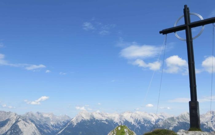 00 Gipfelkreuz Seefelder Spitze Seefeld Tirol Oesterreich
