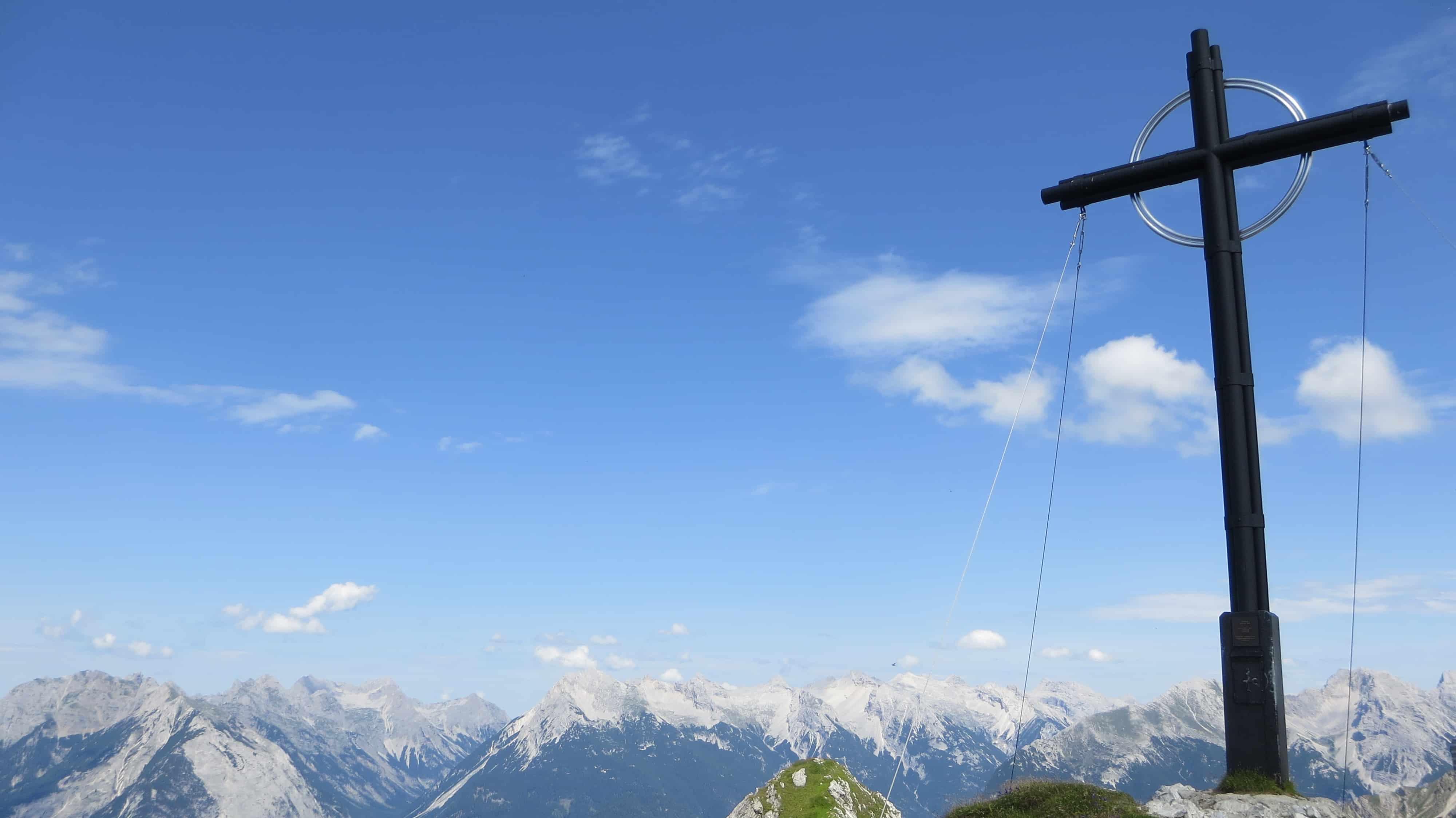 00_Gipfelkreuz-Seefelder-Spitze-Seefeld-Tirol-Oesterreich