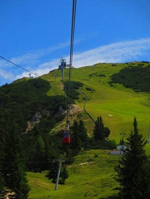 03_Seilbahn-Gondel-Rosshuette-Seefelder-Spitze-Tirol-Oesterreich