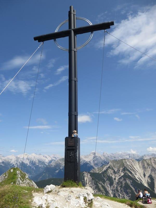 07_Gipfelkreuz-Seefelder-Spitze-Tirol-Oesterreich