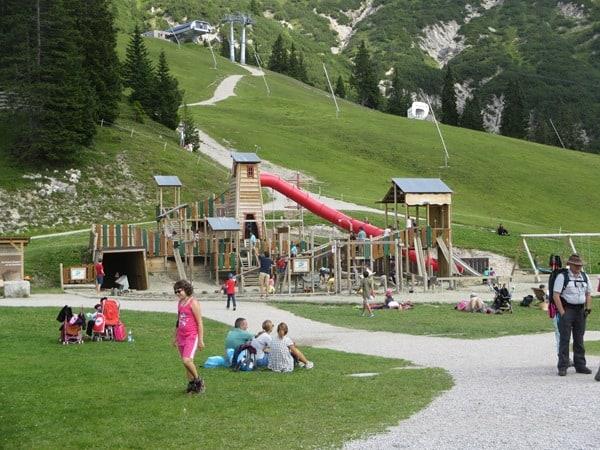 15_Kinderspielplatz-auf-1760-Meter-Rosshuette-Seefeld-Tirol-Oesterreich