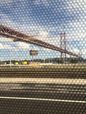 01_S-Bahn-Lissabon-Cascais-Ponte-25-de-Abril-Portugal