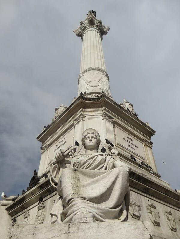 07_Statue-am-Praca-de-D-Pedro-IV-Lissabon-Portugal