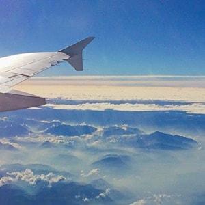 14_Lufthansa-Flug-Muenchen-Lissabon-Ausblick-Fenster-Schweiz-Schweizer-Alpen