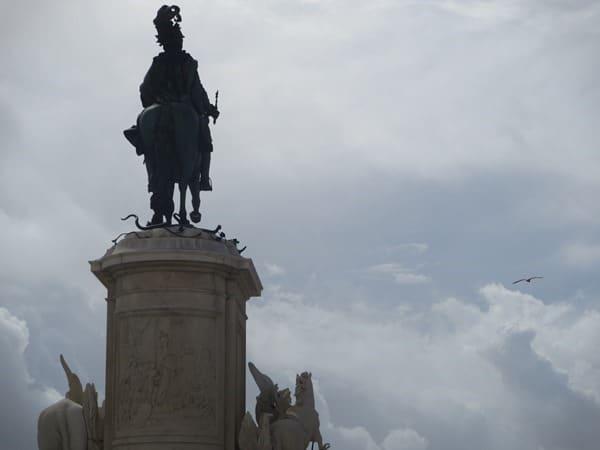 15_Statue-Praca-do-Comercio-Lissabon-Portugal