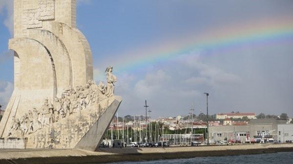 21_Denkmal-der-Entdecker-Regenbogen-Lissabon-Portugal